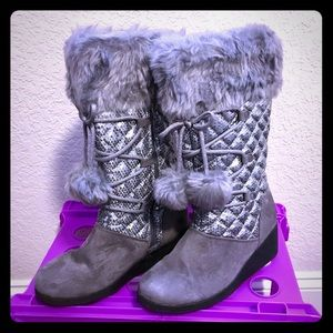 b92cbd241a20 Canyon River Boots on Poshmark